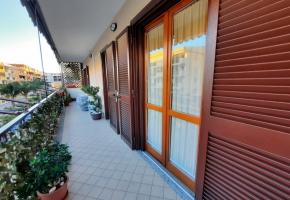 T287- AVERSA ZONA STAZIONE -  Appartamento con Box doppio